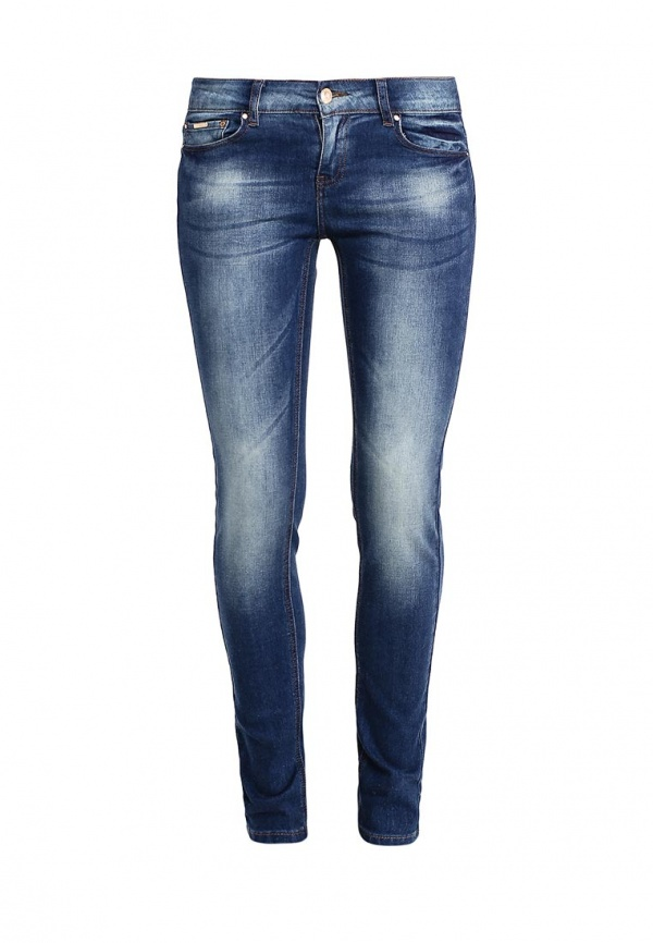 Джинсы женские Sela Denim, цвет: темно-синий джинс. PJ-135/598-7161. Размер 29-32 (46-32)PJ-135/598-7161Стильные джинсы Sela, изготовленные из качественного хлопкового материала с потертостями, станут отличным дополнением вашего гардероба. Джинсы зауженного кроя и стандартной посадки на талии застегиваются на застежку-молнию и пуговицу. На поясе имеются шлевки для ремня. Модель представляет собой классическую пятикарманку: два втачных и накладной карманы спереди и два накладных кармана сзади.