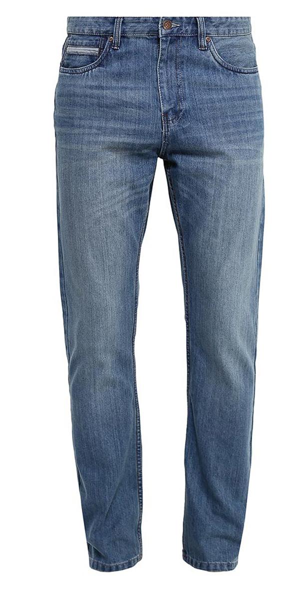 Джинсы мужские Sela, цвет: синий джинс. PJ-235/1074-7161. Размер 30-32 (46-32)PJ-235/1074-7161Стильные мужские джинсы Sela, изготовленные из качественного хлопкового материала с потертостями, станут отличным дополнением гардероба. Джинсы прямого кроя и стандартной посадки на талии застегиваются на застежку-молнию и пуговицу. На поясе имеются шлевки для ремня. Модель дополнена двумя втачными и прорезным карманами спереди и двумя прорезными карманами на пуговицах сзади.