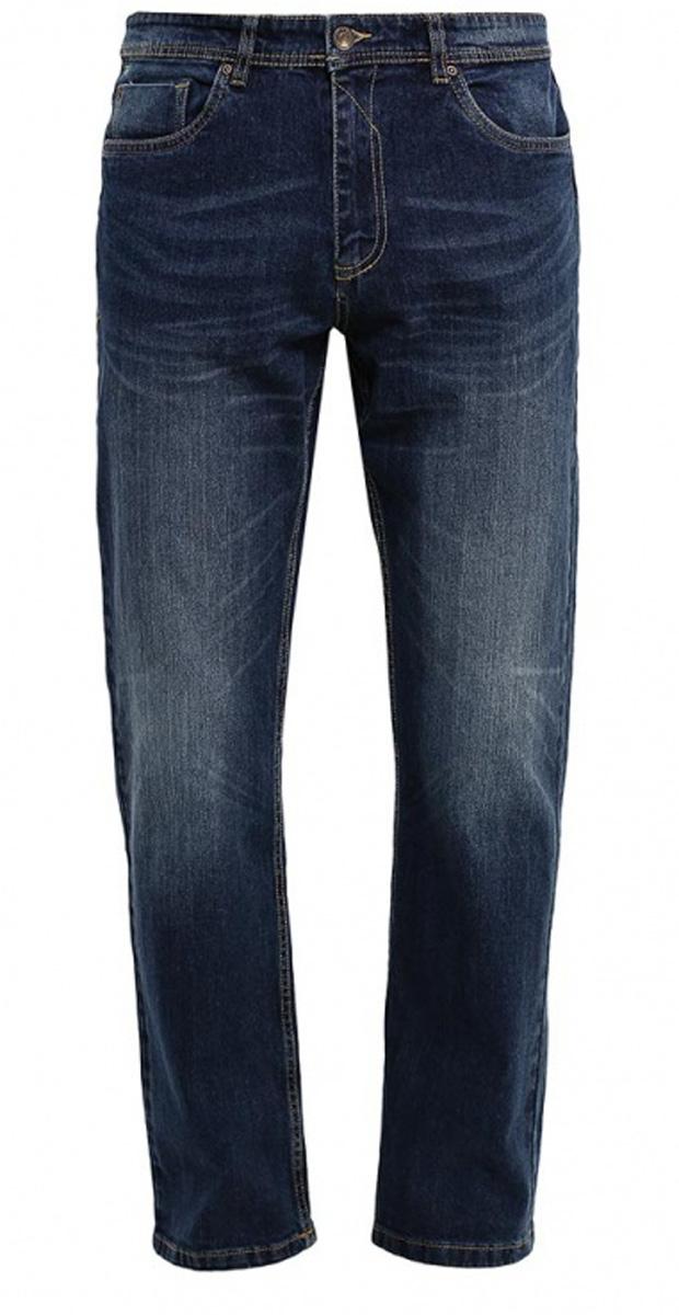 Джинсы мужские Sela, цвет: темно-синий джинс. PJ-235/1076-7161. Размер 30-32 (46-32)PJ-235/1076-7161Стильные мужские джинсы Sela, изготовленные из качественного эластичного хлопка с потертостями, станут отличным дополнением гардероба. Джинсы прямого кроя и стандартной посадки на талии застегиваются на застежку-молнию и пуговицу. На поясе имеются шлевки для ремня. Модель представляет собой классическую пятикарманку: два втачных и накладной карманы спереди и два накладных кармана сзади.