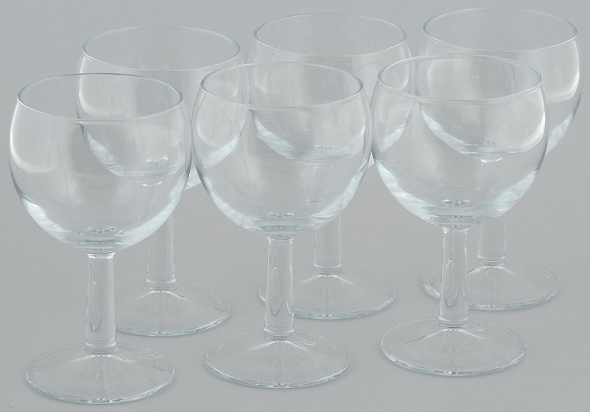 Набор бокалов для воды Pasabahce Banquet, 255 мл, 6 шт44445/Набор Pasabahce Banquet состоит из 6 бокалов, выполненных из стекла. Бокалы предназначены для подачи воды. Они отличаются особой легкостью и прочностью, излучают приятный блеск и издают мелодичный хрустальный звон. Бокалы выполнены в оригинальном элегантном дизайне. Набор бокалов Pasabahce Banquet станет идеальным украшением праздничного стола и отличным подарком к любому празднику.