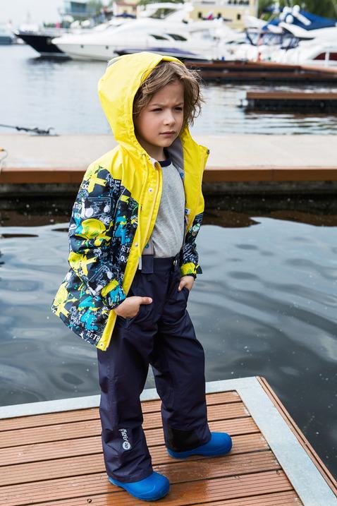 Комплект для мальчика atPlay!: куртка, брюки, цвет: серый. 2su716. Размер 128, 8-9 лет2su716Демисезонный костюм из куртки и брюк для мальчика. Современные технологии и оригинальный дизайн. Верхняя одежда из мембраны от канадского бренда At-Play! производится по самым высоким стандартам качества. Используются только самые качественные материалы: фурнитура YKK, новейший утеплитель shelter, мембранные технологии, проклеенные швы – все на страже комфорта и тепла вашего ребенка. Грязе- и водоотталкивающее покрытие Teflon облегчает уход за этой одеждой – после прогулки достаточно протереть поверхность влажной губкой. Конструкция куртки и брюк позволяет ребенку свободно двигаться, надежно защищая при этом от ветра и влаги. Лучшее решение для прогулки весной – костюм от канадского бренда At-Play!