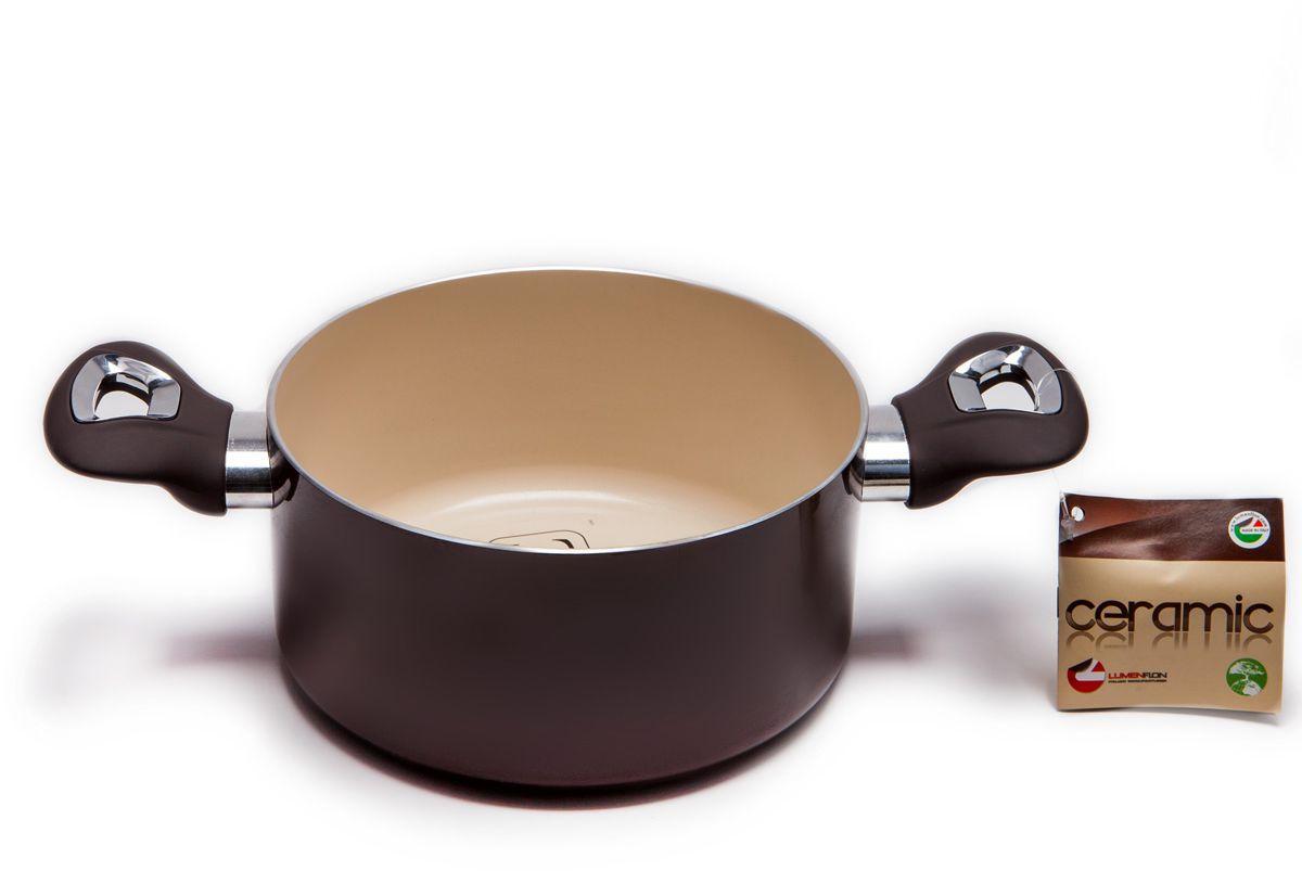 Кастрюля MoulinVilla C&C, с керамическим покрытием, диаметр 20 смCECT 20Кастрюля MOULINvilla, изготовленная из штампованного алюминия, покрыта экологически чистым керамическим антипригарным покрытием. Покрытие является экологически чистым и безопасным для здоровья человека, поскольку оно не выделяет токсичных газов (PFOA и PTFE) даже в условиях высокой температуры. Кроме того, покрытие не содержит тяжелых металлов (кадмий, свинец, ртуть). Внутреннее и внешнее покрытие сделано таким образом, чтобы оно легко очищалось. Такое покрытие предотвратит прилипание пищи к кастрюле, сделает процесс приготовления простым и приятным занятием. Покрытие очень сложно поцарапать или повредить из-за его высокой степени твердости, поэтому его можно использовать в течение длительного периода. Высокая теплопроводность и равномерное распределение температуры позволят готовить намного быстрее.Подходит для газовых, электрических, стеклокерамических плит, не подходит для индукционных плит. Кастрюля пригодна для мытья в посудомоечной машине, но без использования абразивных чистящих средств.Диаметркастрюли (по верхнему краю): 20 см.