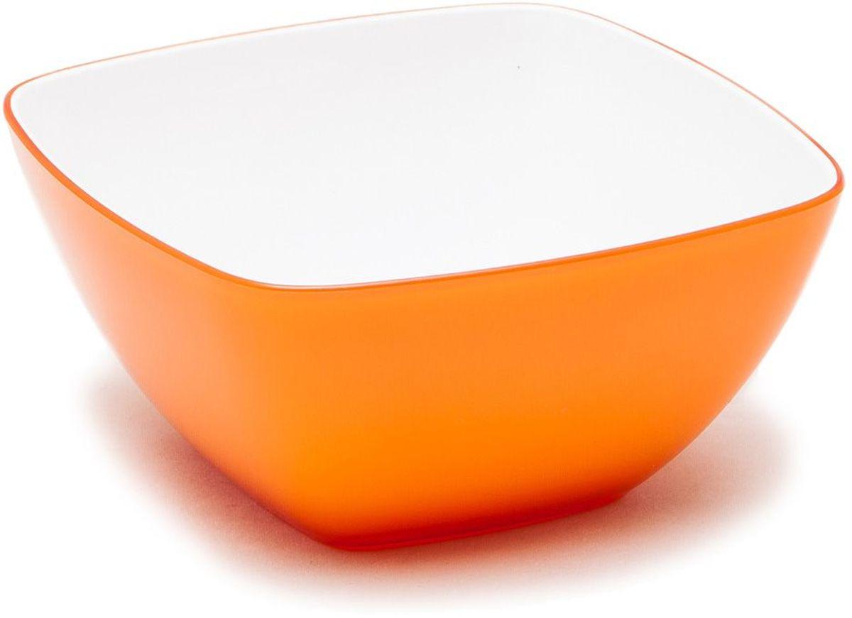 Миска MoulinVilla, цвет: оранжевый, 14 х 14 х 7 смL-14OКвадратная миска Moulinvilla, изготовленная из высококачественного акрила, благодаря оригинальному и привлекательному дизайну выполняет не только практичную, но и декоративную функцию. Белый цвет внутренней поверхности и сочный, интенсивный цвет снаружи отлично контрастируют, привлекая к себе внимание.Миска подойдет для сервировки салатов, фруктов, закусок, десертов, печенья, сладостей и других продуктов.Подходит для мытья в посудомоечной машине.