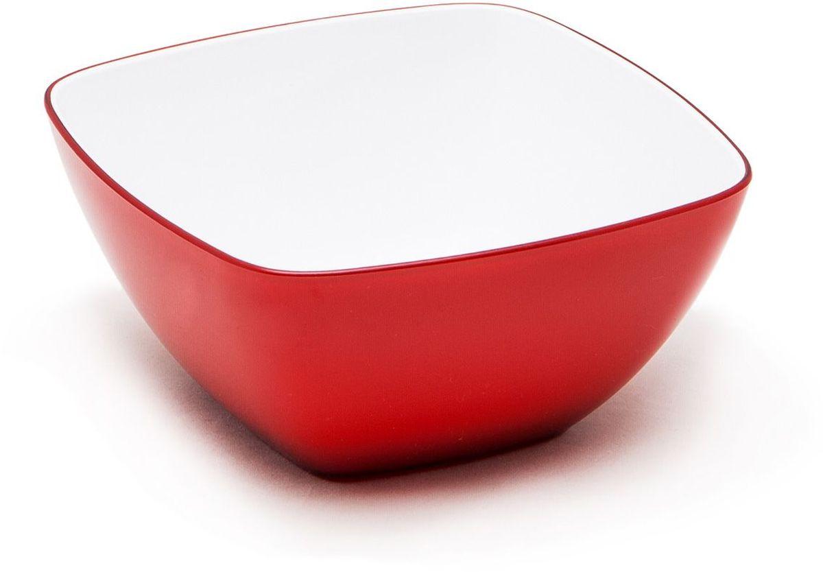 Миска квадратнаяMoulinVilla, цвет: красный, 14 х 14 х 7 смL-14RКвадратная миска Moulinvilla, изготовленная из высококачественного акрила, благодаря оригинальному и привлекательному дизайну выполняет не только практичную, но и декоративную функцию. Белый цвет внутренней поверхности сочный, интенсивный цвет снаружи отлично контрастируют, привлекая к себе внимание.Миска подойдет для сервировки салатов, фруктов, закусок, десертов, печенья, сладостей и других продуктов.Подходит для мытья в посудомоечной машине.