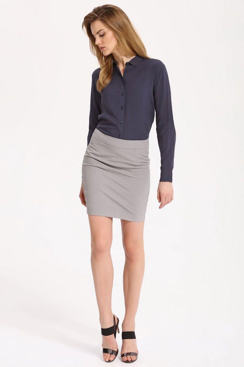 Рубашка женская Top Secret, цвет: темно-синий. SKL2236GR. Размер 42 (50)SKL2236GRРубашка женская Top Secret выполнена из 100% вискозы. Модель с отложным воротником застегивается на пуговицы.