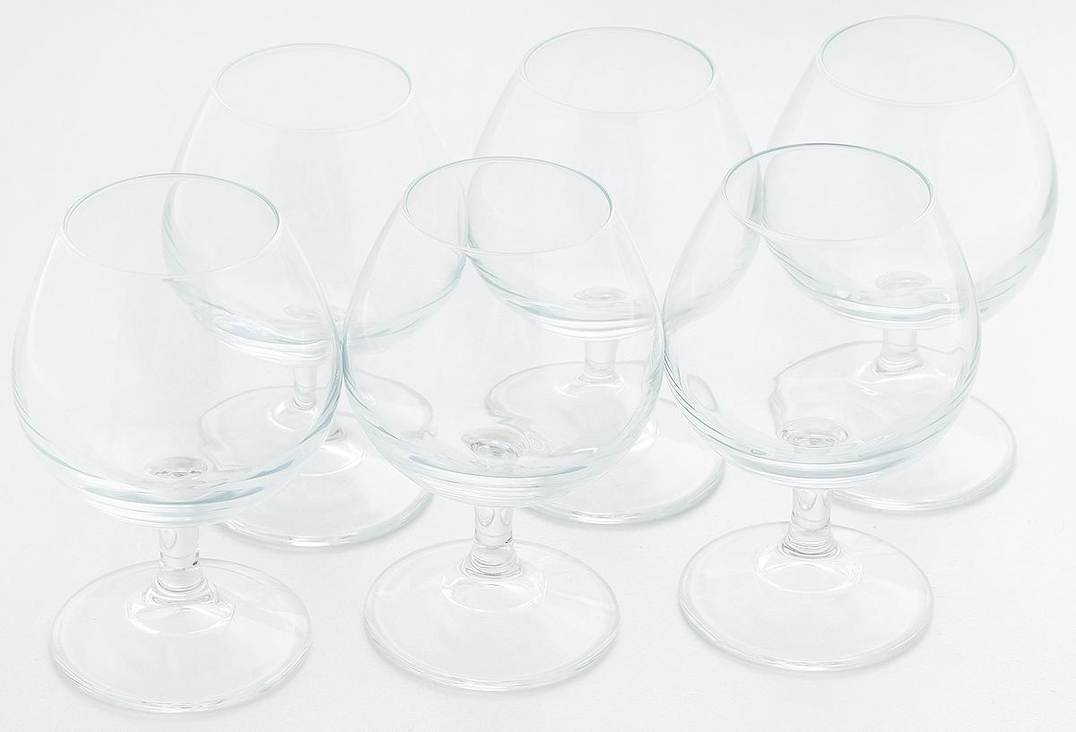 """Набор Pasabahce """"Charante"""" состоит из шести бокалов на ножке, изготовленных из прочного натрий-силикатного стекла. Изделия, предназначенные для подачи конька, несомненно придутся вам по душе. Бокалы сочетают в себе элегантный дизайн и функциональность. Набор бокалов Pasabahce """"Charante"""" идеально подойдет для сервировки стола и станет отличным подарком к любому празднику.Высота бокала: 11 см."""