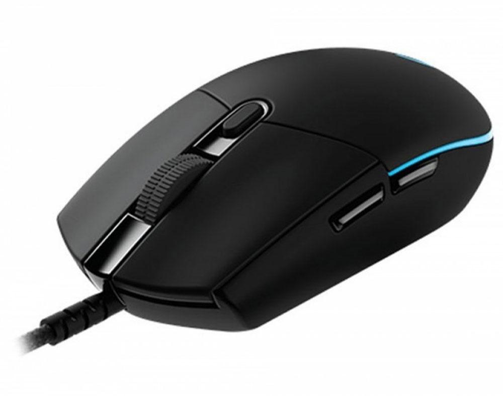 Logitech G102 Prodigy Wired игровая мышь910-004939Играйте в полную силу, демонстрируя удивительную меткость. Модель Logitech G102 Prodigy передает данные с частотой до 1000 раз в секунду — в 8 раз быстрее, чем обычные мыши. Это означает, что система мгновенно реагирует на перемещения мыши или нажатия ее кнопок.Предшественницей модели G102 (как и в случае игровой мыши Logitech G Pro) стала легендарная игровая мышь с классической конструкцией Logitech G100S. Знакомый дизайн, который выбирают любители и профессионалы киберспорта во всем мире, был заново воссоздан и оптимизирован с точки зрения универсальности, надежности и удобства повседневного использования.Раскройте весь свой потенциал, продемонстрируйте фантастическую меткость. Мышь G102 оснащена новой моделью датчика с разрешением от 200 до 6000 точек на дюйм, благодаря которой устройство реагирует на нажатия исключительно быстро, точно и согласованно. Это позволяет лучше контролировать процесс игры независимо от того, какой стиль вы предпочитаете. Стабильность и точность работы датчика говорят о том, что можно начинать тренировать мышцы для максимально точного прицела — ведь теперь движение курсора можно не только видеть, но и буквально ощущать.Обновленный механизм работы кнопок делает каждое нажатие более точным и аккуратным. В этом механизме используется металлическая пружина, благодаря чему левая и правая кнопки мыши всегда готовы к нажатию. В результате для нажатий требуется меньше усилий, что обеспечивает их исключительную точность, скорость и согласованность.Выбирайте цвета из богатейшей палитры в 16,8 миллионов оттенков и регулируйте уровень яркости в соответствии с выбранным стилем, а также дизайном компьютера или интерьера. Загрузив ПО Logitech Gaming Software, вы сможете использовать свыше 300 игровых профилей и программируемую подсветку, реагирующую на действия в игре.Игровую мышь Logitech G102 Prodigy можно использовать в исходной конфигурации или изменить как угодно любые параметры с помощью ПО Logit