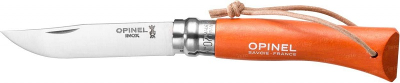 Нож Opinel Tradition. Colored №07, длина клинка 8 см, цвет: оранжевый001443Нож Opinel изготовлен из нержавеющей стали, рукоятка - из натурального дерева граба. Рукоять дополнена практичным темляком.Идеальный карманный нож для пикника, барбекю, походов, охоты и рыбалки. Характеристики. Материал лезвия: сталь Sandvik 12C27. Материал рукояти: окрашенный граб. Тип ножевого замка: Viroblock. Приспособление для открытия клинка: насечка на лезвии. Длина лезвия, см: 8. Длина ножа, см: 17,5. Ширина лезвия, см: 1,6. Длина в сложенном положении, см: 10. Вес, гр: 35. Viroblock - оригинальное запорное устройство, представляющее собой кольцо с прорезью, которое, будучи повернуто относительно оси ножа, упирается в пятку клинка и не дает ножу самопроизвольно складываться при работе или раскладываться в кармане. Конструкция эта защищена патентом и устанавливается на ножи Opinel с 1955 года, начиная с модели № 6. Французская форма Opinel - производитель ножей с 1890 года. Удачная конструкция ножей обеспечила фирме не только длительное существование, но и всемирную славу. Ножи Opinel являются символом Франции. Классический нож этого типа - рукоять из дерева, металлическая втулка, ось, клинок и поворотное кольцо. Такая простота наряду с малой ценой и отличным качеством - вот рецепт успеха этих ножей. Наиболее распространены ножи с поворотным кольцом, которое фиксирует клинок в двух положениях.