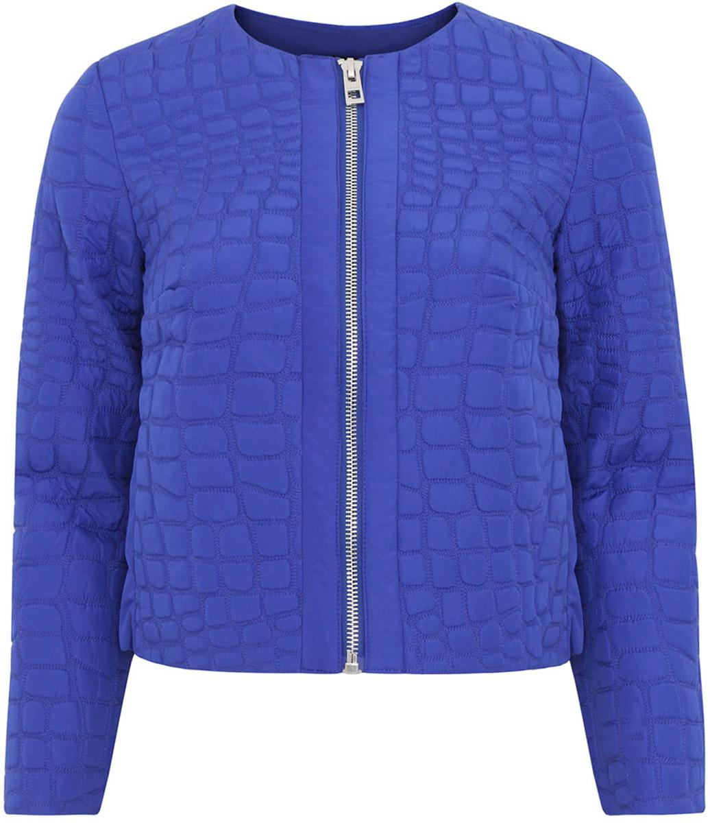 Куртка женская oodji Ultra, цвет: синий. 10304034/42781/7500N. Размер 38-170 (44-170)10304034/42781/7500NЖенская фуктурная куртка oodji Ultra выполнена из высококачественного материала, в качестве подкладки используется полиэстер. Утеплитель - синтепон. Укороченная модель с круглым вырезом горловины застегивается на застежку-молнию.