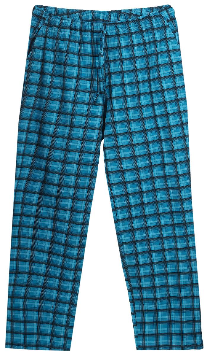 Брюки домашние мужские Violett, цвет: бирюзовый, черный. 17230507. Размер XXXXL (56)17230507Мужские домашние брюки Violett изготовлены из натурального хлопка. Брюки прямого кроя абсолютно не сковывают движений и позволяют коже дышать. Мягкая и широкая резинка не давит на талию, а завязки в поясе позволяют зафиксировать брюки в удобном положении. Спереди модель дополнена двумя втачными карманами. Оформлены брюки стильным принтом в клетку.