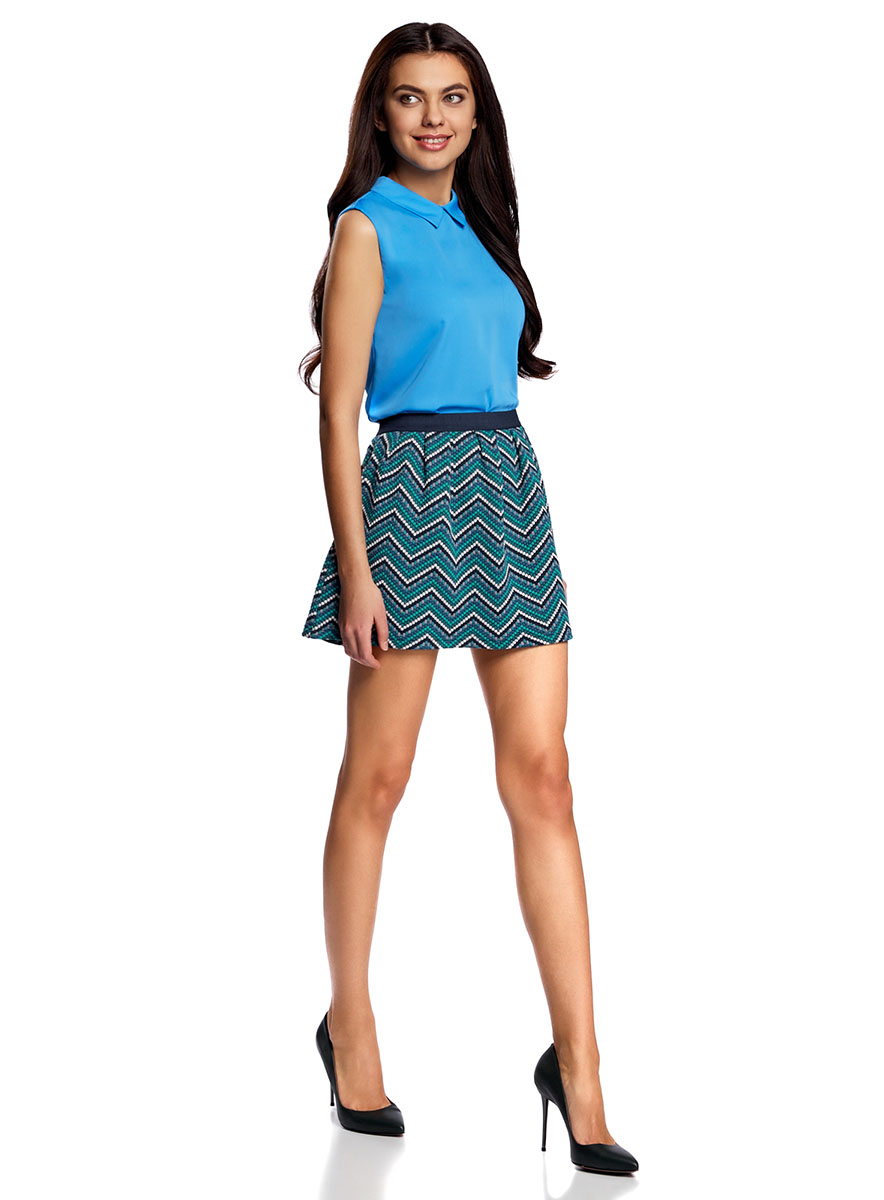 Юбка oodji Ultra, цвет: темно-синий, изумрудный. 14100019-4/46478/796DS. Размер XXS (40)14100019-4/46478/796DSРасклешенная мини-юбка выполнена из фактурной ткани. Сзади юбка застегивается на металлическую застежку-молнию.