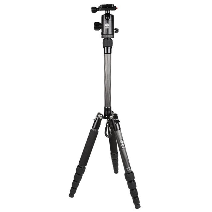 Sirui T-025X+C-10KS, Black штативT-025X+C-10KSВпечатляющий штатив Sirui T-025X+C-10KS был специально разработан для нуждсегодняшнего дня! Для съемки спомощью цифровых камер, цифровых зеркальных камер и компактных видеокамер.Штатив Sirui T-025X - это блестящий, яркий внешний вид, что делает его похожим напроизведение искусства! Для него всегданайдется место в вашей сумке или рюкзаке! Штатив идеален для большинства съемочныхситуаций, его высотаболее чем 130 см (51,4 дюйма) при весе 700 граммов.Так же как и профессиональная линия штативов Sirui, здесь нет компромиссов в областикачества. Все детали изалюминиевого сплава формуются при высокой температуре для максимальной прочности, аспециальнаяпроцедура анодирования поверхности Sirui обеспечивает превосходную защиту от износа икоррозии.Штативная головка C-10KS является высококачественной шаровой головкой, которая идеальнодополняет штатив.Шаровая головка имеет цветную анодированного поверхность, соответствующую цветуштатива, обеспечиваяпри этом превосходную устойчивость к царапинам и коррозии.