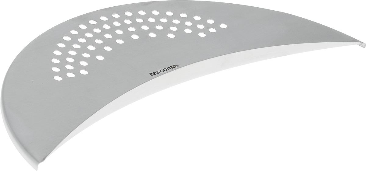 Дуршлаг многофункциональный Tescoma Chef428152Многофункциональный дуршлаг Tescoma Chef отлично подходит для легкой посуды диаметром 14-28 см. Изделие позволяет не использовать традиционный дуршлаг. Просто приложите его к краю посуды и слейте лишнюю воду из кастрюли. При процеживании горячей пищи используйте рукавицы или перчатки. Дуршлаг выполнен из первоклассной нержавеющей стали. Можно мыть в посудомоечной машине.