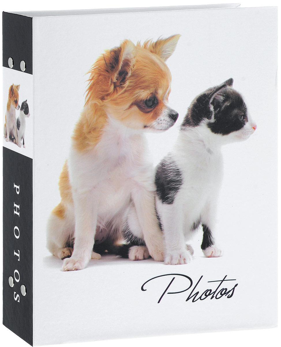 Фотоальбом Platinum Кошки - 2, 200 фотографий, 10 х 15 см. PP-46200S21828_щенок и котёнок/PP-46200SФотоальбом Platinum Кошки - 2 поможет красиво оформить ваши фотографии. Обложка выполнена из толстого картона и декорирована изображением животных. Внутри содержится блок из 50 листов с фиксаторами-окошками из полипропилена. Альбом рассчитан на 200 фотографий формата 10 х 15 см (по 2 фотографии на странице). Крепятся листы с помощью заклепок. Нам всегда так приятно вспоминать о самых счастливых моментах жизни, запечатленных на фотографиях. Поэтому фотоальбом является универсальным подарком к любому празднику.Количество листов: 50.