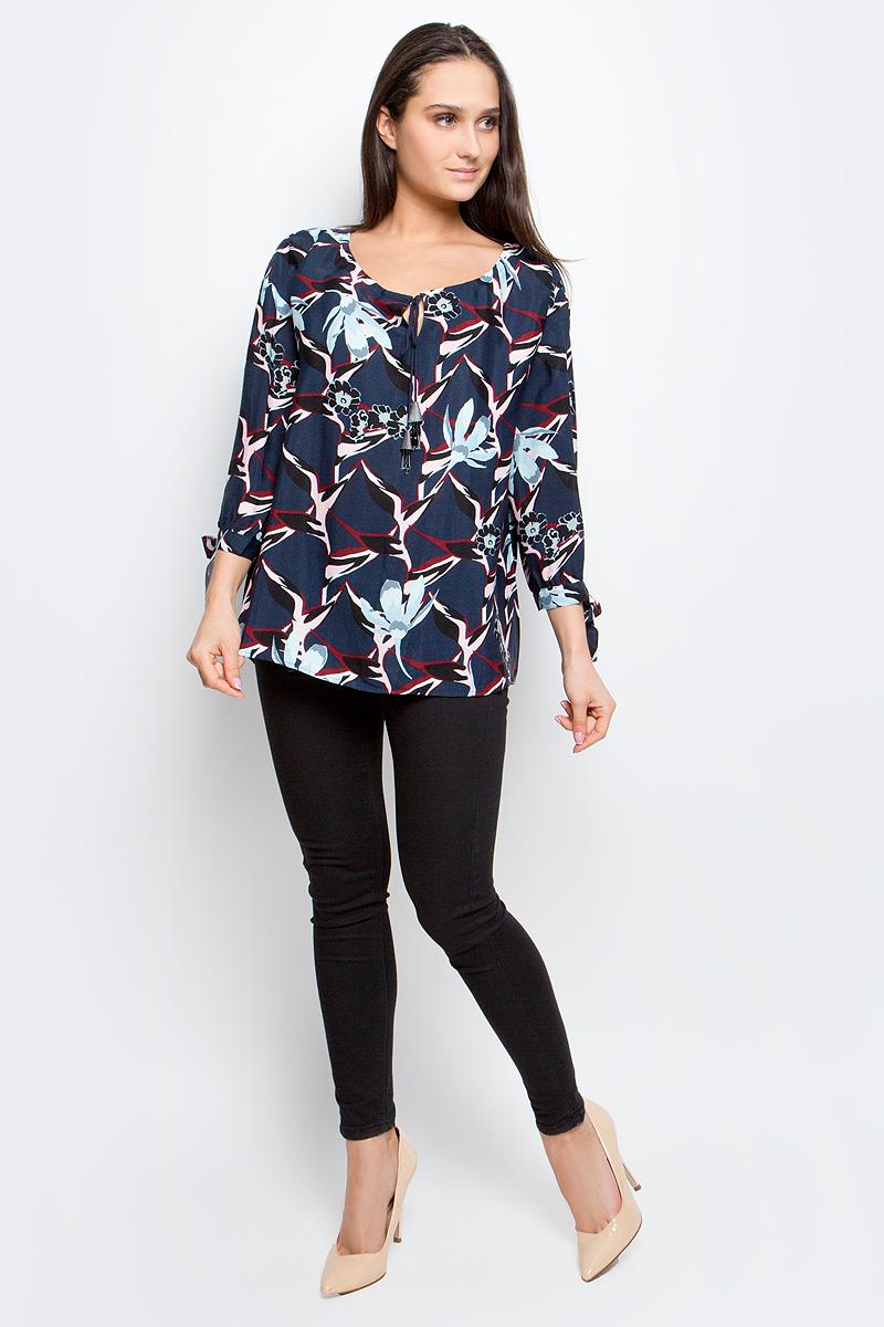 Блузка женская Baon, цвет: темно-синий. B177004. Размер M (46)B177004_Dusk PrintedЖенская блузка Baon выполнена из 100% вискозы. Модель с круглым вырезом горловины и рукавами 3/4 оформлена цветочным принтом.