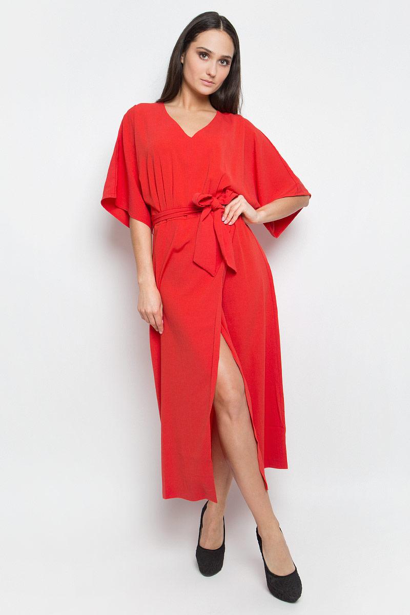 Платье Baon, цвет: красный. B457011. Размер XL (50)B457011_TomatoПлатье Baon с запахом и длиной макси выполнено из полиэстера. Лиф изделия оформлен складками. Талия дополнена поясом. У модели рукава летучая мышь и V-образный вырез горловины. Спинка застегивается на потайную застежку-молнию.
