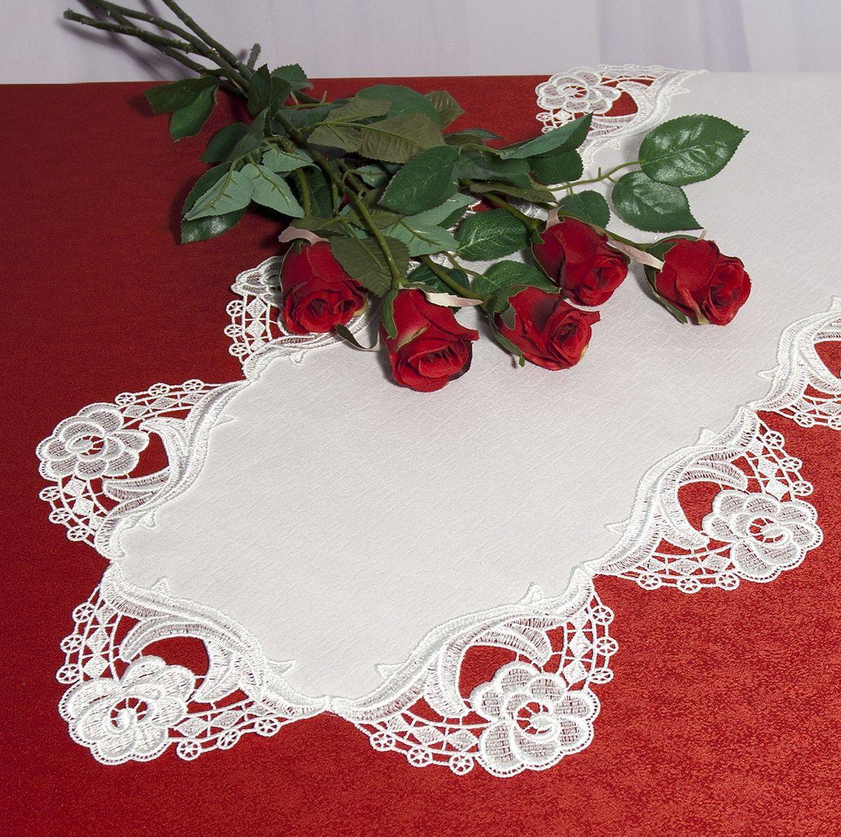 Дорожка для декорирования стола Schaefer, 40 x 90 см, цвет: белый. 30133013Дорожка для декорирования стола Schaefer может быть использована, как основной элемент, так и дополнение для создания уюта и романтического настроения.Дорожка выполнена из полиэстера. Изделие легко стирать: оно не мнется, не садится и быстро сохнет, более долговечно, чем изделие из натуральных волокон.Материал: 100% полиэстер.Размер: 40 x 90 см