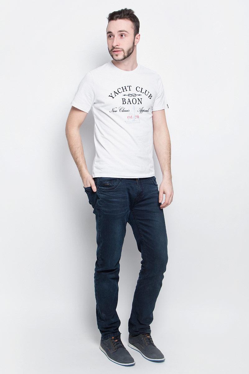 Футболка мужская Baon, цвет: белый. B737001. Размер XL (52)B737001_WhiteМужская футболка Baon выполнена из хлопковой ткани и оформлена оригинальным принтом. У модели круглый вырез горловины и стандартные короткие рукава.