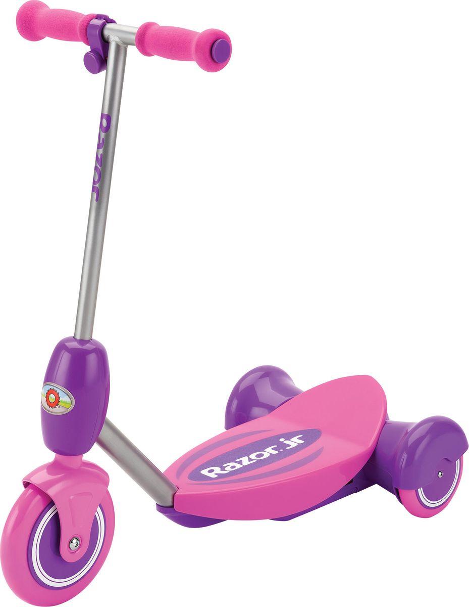 Электросамокат детский Razor Lil E, цвет: розовый, фиолетовый011202Электрический самокат Razor Lil E обеспечивает дополнительную стабильность хода за счет трехколесной конструкции, а также плавного газа, который активируется путем нажатия ребенком кнопки газа на руле. Кнопка нажимается очень легко, а самокат плавно набирает ход, но стоит только маленькому райдеру отпустить газ, как самокат начнет тормозить до полной остановки.Самокат комплектуется удобным съемным сиденьем, для тех юных райдеров, кто еще боится кататься или пока плохо держит равновесие. Особенности:- Тихий надежный электромотор.- Задний привод из двойных колес для дополнительной устойчивости.- В движение приводится только с зажатой кнопкой газа.- Плавный и медленный набор скорости.- Полная остановка пи отпускании кнопки газа.- Большая широкая платформа для пары детских ножек.- Возможность крепления дополнительно сиденья для использования детьми от 2 лет.- Корпус выполнен из прочного полимера.- Стальной каркас электросамоката.- Большие полиуретановые полимерные колеса.- Аккумулятор герметичный свинцово-кислотный на 6V.- До 50 минут непрерывного хода на полной зарядке- Мягкие удобные пенные ручки на руле.Возраст: от 3 лет.Рост: 80-130 см.Максимальная нагрузка 20 кг.Максимальная скорость 3 км/час.