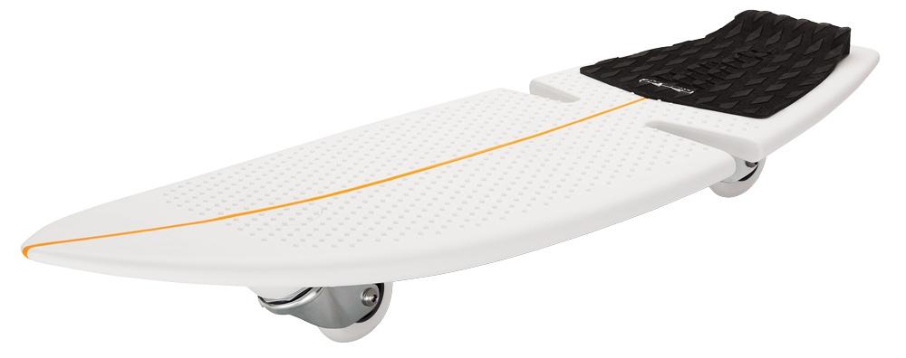 Роллерсерф Razor RipSurf, цвет: белый, оранжевый, черный, длина деки 82 см051005Роллерсерф Razor RipSurf позволяет райдерам кататься по жесткому покрытию скейт-парка или дорожке в городском парке, словно по волнам, прям как настоящий серфер! Скейтборд состоит из цельной платформы для ног, выполненной из высокотехнологичного полимерного материала и двух колес, расположенных под острым углом к земле. Дека выполнена из полипропилена, благодаря чему, очень прочная, но в тоже время гибкая. В качестве усиления на деке сделаны специальные ребра жесткости. Колеса выполнены из уретана, вращаются на360°, что позволяет выполнять резкие повороты,а вогнутая середина - конкейв позволяет выполнять сложные трюки.Дополнительная сборка изделию не требуется.В комплект входит запасное колесо, а также яркие красивые наклейки на вашу доску.Возраст: от 7 лет.Максимальная нагрузка: 100 кг.Общая длина деки: 82 см.Ширина деки 28 см.