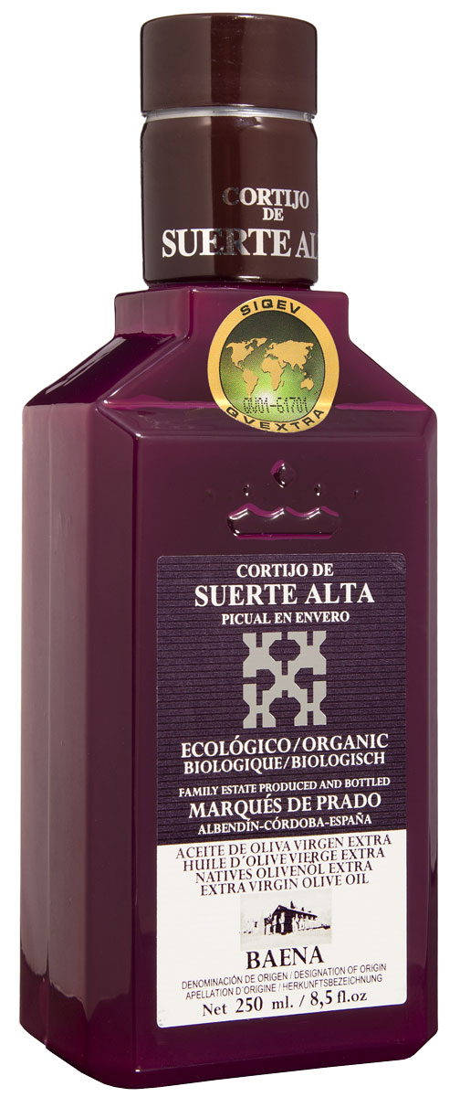 Suerte Alta Пикуаль оливковое масло Extra Virgin, 250 мл8437009165522Суэртэ Альта Пикуаль - нерафинированное оливковое масло первого холодного отжима премиум класса кислотностью 0,2%, которая является лечебной по испанским законам. ЭКОЛОГИЧЕСКИЙ ФЕРМЕРСКИЙ ПРОДУКТ из оливок сорта Пикуаль раннего сбора урожая. Диетический продукт! ОРГАНИЧЕСКОЕ оливковое масло от семьи Мануэля Эредия Альскон, маркиза Прадо. Компания основана его дедом в 1924 году. С 1996 года компания официально занимается Органическим сельским хозяйством, о чем свидетельствует сертификат C.A.A.E.- Совета по органическому земледелию Андалусии, а также аналогичные сертификаты США, Японии и Европейского совета. Поместье находится недалеко от городка Баэна (провинция Кордоба) - официальной столицы оливкового масла Испании. Именно здесь ежегодно проходит праздник молодого оливкового масла.Масла для здорового питания: мнение диетолога. Статья OZON Гид
