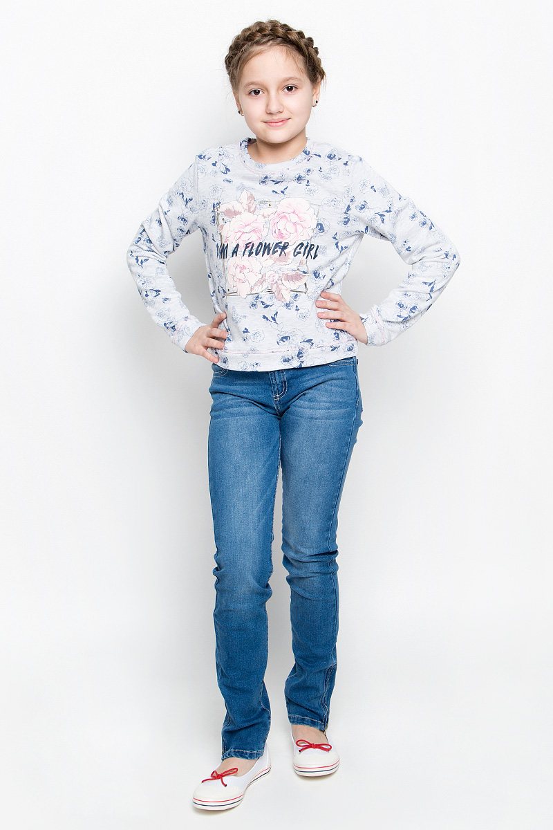 Свитшот для девочки Sela, цвет: светло-серый, синий. St-613/915-7131. Размер 128, 8 летSt-613/915-7131Стильный свитшот для девочки Sela изготовлен из натурального хлопка с добавлением полиэстера. Изнаночная сторона выполнена небольшими петельками. Свитшот с круглым вырезом горловины и длинными рукавами оформлен цветочным принтом с надписями и декорацией из металлических кнопок.