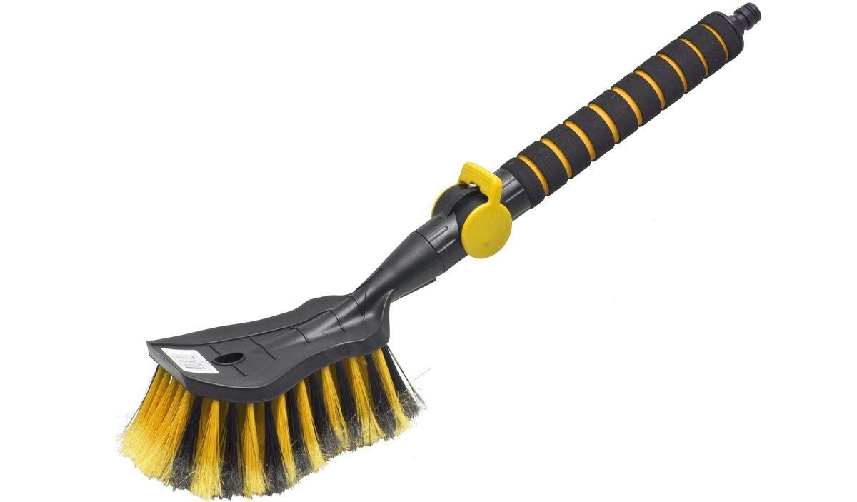Щетка для мытья Главдор, с клапаном, цвет: желтыйGL-579Щетка для мытья Главдор с мягкой, распушенной щетиной, изготовлена из прочного пластика. Рукоятка имеет мягкое пенополиэтиленовое покрытие и снабжена адаптером (насадкой) для подключения к шлангу и клапаном регулировки подачи воды.Общая длина щетки: 48 см.