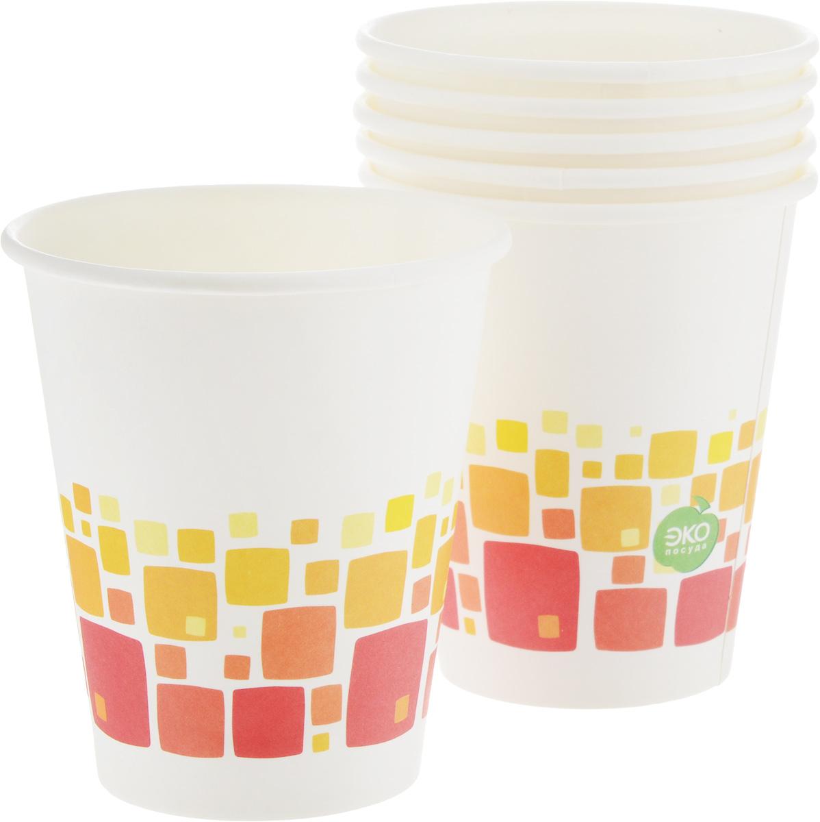 """Набор Paterra """"Нарядные"""" состоит из 6 стаканов,предназначенных для одноразового использования. Изделияукрашены узором. Такие стаканы подойдут как для холодных,так и для горячих напитков. Имеют водоотталкивающиесвойства.Одноразовые стаканы будут незаменимы при поездках наприроду, пикниках и других мероприятиях. Они легкие и незаймут много места, а самое главное - после использования ихне надо мыть. Диаметр стакана: 8 см. Высота стакана: 9,5 см."""