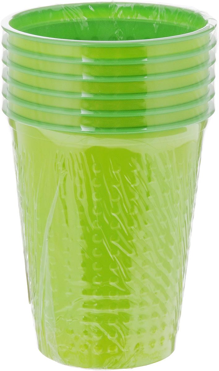 """Набор Buffet """"Biсolor"""" состоит из 6 стаканов, выполненных из  полистирола и предназначенных для одноразового использования. Одноразовые стаканы будут незаменимы при поездках на природу, пикниках и других  мероприятиях. Они не займут много места, легки и самое главное - после использования их не надо мыть. Диаметр стакана (по верхнему краю): 7 см. Высота стакана: 8 см. Объем: 200 мл."""