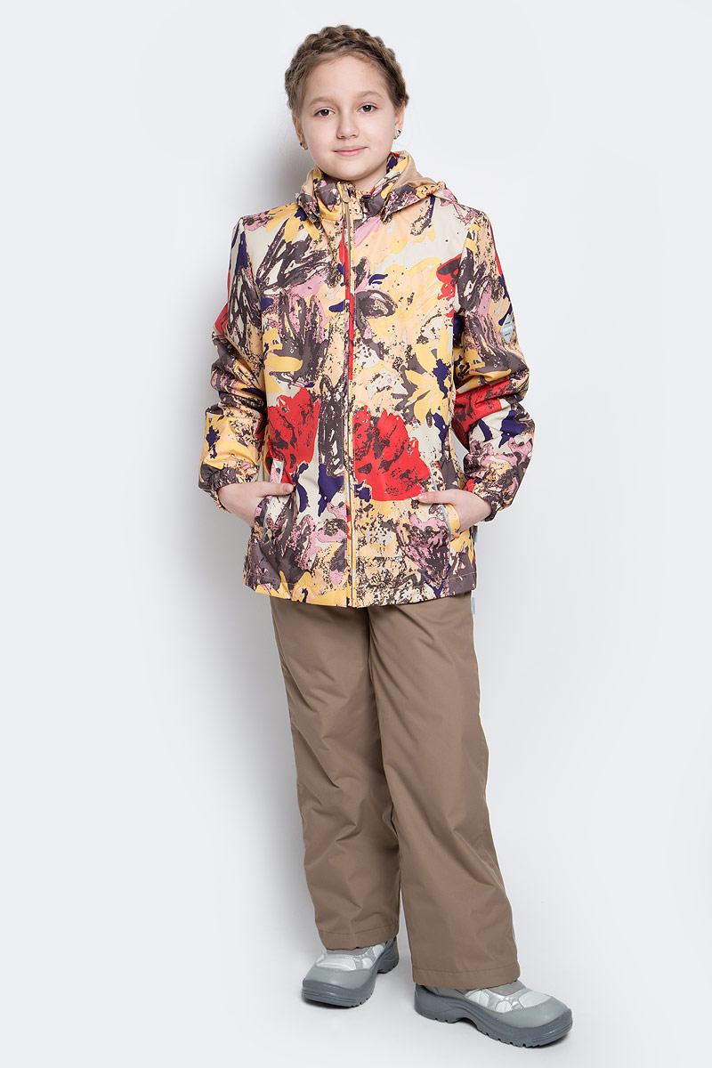 Комплект верхней одежды для девочки Huppa Yonne 1: куртка, брюки, цвет: золотистый, бежевый. 41260104-71242. Размер 128, 7-8 лет41260104-71242Костюм для девочки Huppa Yonne 1 состоит из куртки и брюк. Костюм выполнен из 100% полиэстера с высокими показателями износостойкости. Ткань с обратной стороны покрыта слоем полиуретана с микропорами (мембрана), который препятствует прохождению влаги и ветра внутрь изделия. Для максимальной влагонепроницаемости швы проклеены водостойкой лентой. Подкладка костюма выполнена из гладкой тафты. Высокотехнологичный легкий синтетический утеплитель имеет уникальную структуру микроволокон, которые не позволяют проникнуть внутрь холодному воздуху, в то же время удерживают теплый между волокнами и обеспечивают высокую теплоизоляцию. Куртка имеет застежку-молнию с защитой подбородка от прищемления, отстегивающийся капюшон, прорезные открытые карманы. Талия, манжеты рукавов и край капюшона снабжены эластичными резинками. Брюки закрываются на застежку-молнию и пуговицу в поясе, эластичные подтяжки регулируемой длины легко снимаются, талия снабжена резинкой для плотного прилегания, низ брючин также регулируется. На изделиях присутствуют светоотражательные элементы для безопасности в темное время суток.