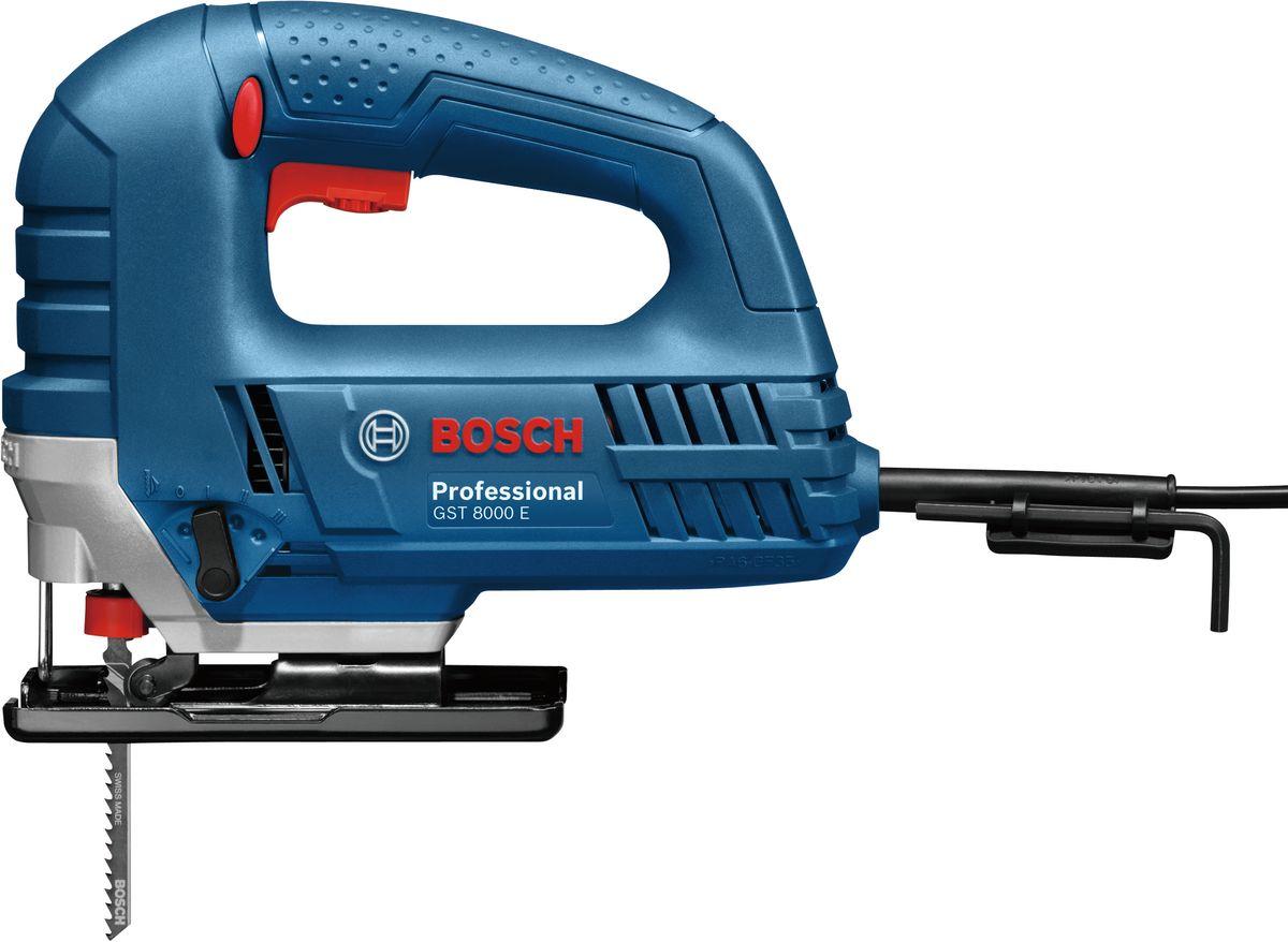 Электролобзик Bosch GST 8000 E. 060158H001060158H001Электрический лобзик Bosch GST 8000 E предназначен для прямого и фигурного распила различных материалов: древесины, металла, пластика и других. Кнопка Пуск с функцией акселератора - чем сильнее нажим, тем выше скорость. Удобная скобовидная рукоятка обеспечивает комфортную работу оператора.Характеристики:Номинальная потребляемая мощность: 710W.Число ходов на холостом ходу: 500 - 3100 ход/мин.Длина хода: 20 мм.Глубина резания в древесине: 80 мм.Глубина реза в алюминии: 20 мм.Глубина врезания в нелегированную сталь: 10 мм.Технические особенности:- двунаправленный фиксатор,- прочное стальное основание,- регулятор скорости и акселератор,- система пылеудаления содержит линию реза в чистоте,- система замены полотна без инструментов и одной рукой,- 4 режима эксцентрика для выполнения различных работ, от плавного до агрессивного резания.Комплектация: защита от скалывания стружки, 1 пильное полотно по древесине 2609991036.