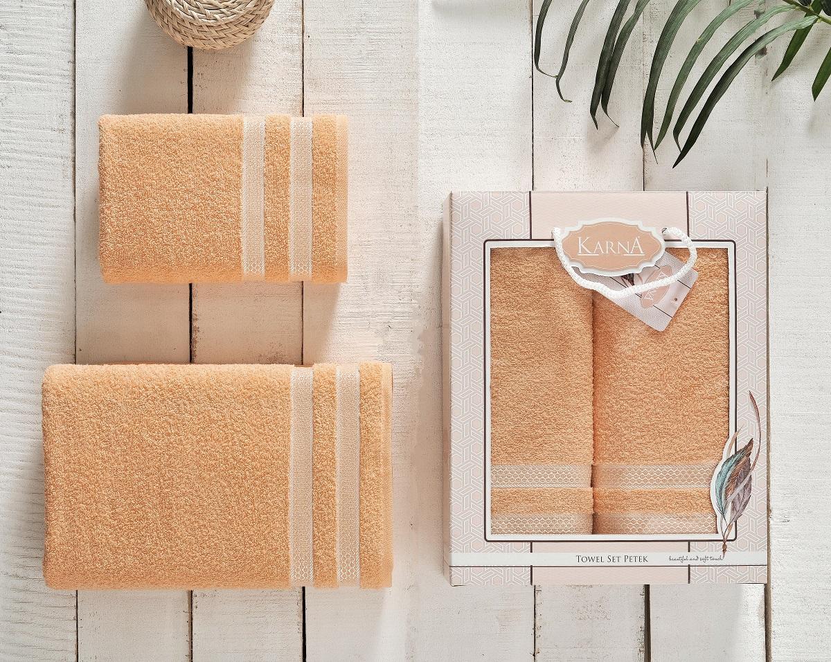 """Комплект полотенец """"Karna"""" изготавливают из высококачественных хлопковых нитей. Хлопковые нити прядутся из длинных волокон. Длина волокон хлопковой нити влияет на свойства ткани, чем длиннее волокна, тем махровое изделие прочнее, пушистее и мягче на ощупь. А также махровое изделие будет отлично впитывать воду и быстро сохнуть. На впитывающие качества махры (ее гигроскопичность), конечно же, влияет состав волокон. Махра абсолютно не аллергенна, имеет высокую воздухопроницаемость и долгий срок использования ткани.  Данное изделие отличается своей долговечностью и практичностью, оно не выгорает и не линяет. Также отличительной особенностью данной модели является ее оригинальный жаккардовый рисунок. Такие изделия имеют рельефный рисунок и отличаются повышенной прочностью, устойчивостью к частой стирке."""