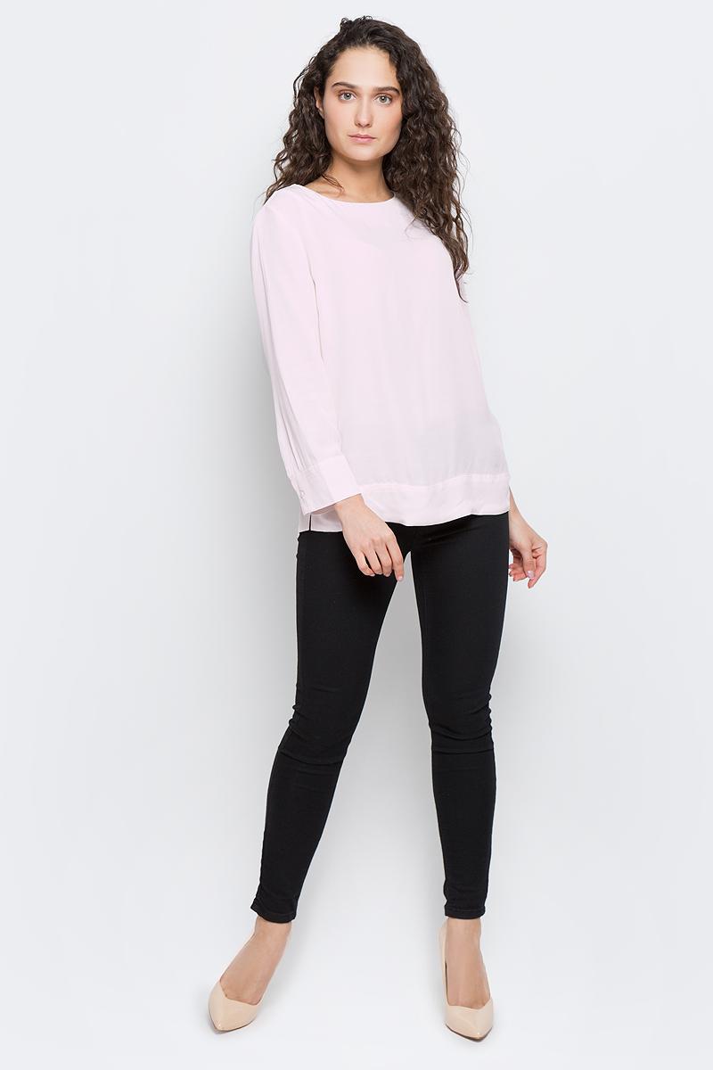 Блузка женская Selected Femme, цвет: светло-розовый. 16053852. Размер 38 (44)16053852_Heavenly PinkЖенская блуза Selected Femme с рукавами длиной 7/8 и круглым вырезом горловины выполнена из натуральной вискозы. Блузка имеет свободный крой и застегивается на застежку-молнию на спинке. Манжеты рукавов застегиваются на пуговицы.