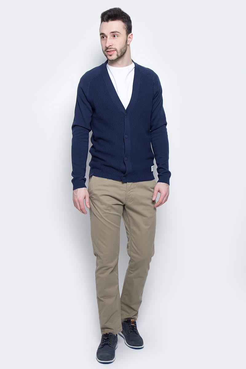 Брюки мужские Tom Tailor, цвет: бежевый. 6404787.09.10_8443. Размер 32-32 (48-32)6404787.09.10_8443Модные мужские брюки Tom Tailor выполнены из высококачественного хлопка с добавлением эластана. Брюки прямой модели имеют стандартную талию. Застегиваются на пуговицу в поясе и ширинку на молнии. Имеются шлевки для ремня. Спереди расположены два боковых прорезных кармана и один небольшой прорезной кармашек, а сзади - два прорезных кармана на пуговице. Модель дополнена ремешком.