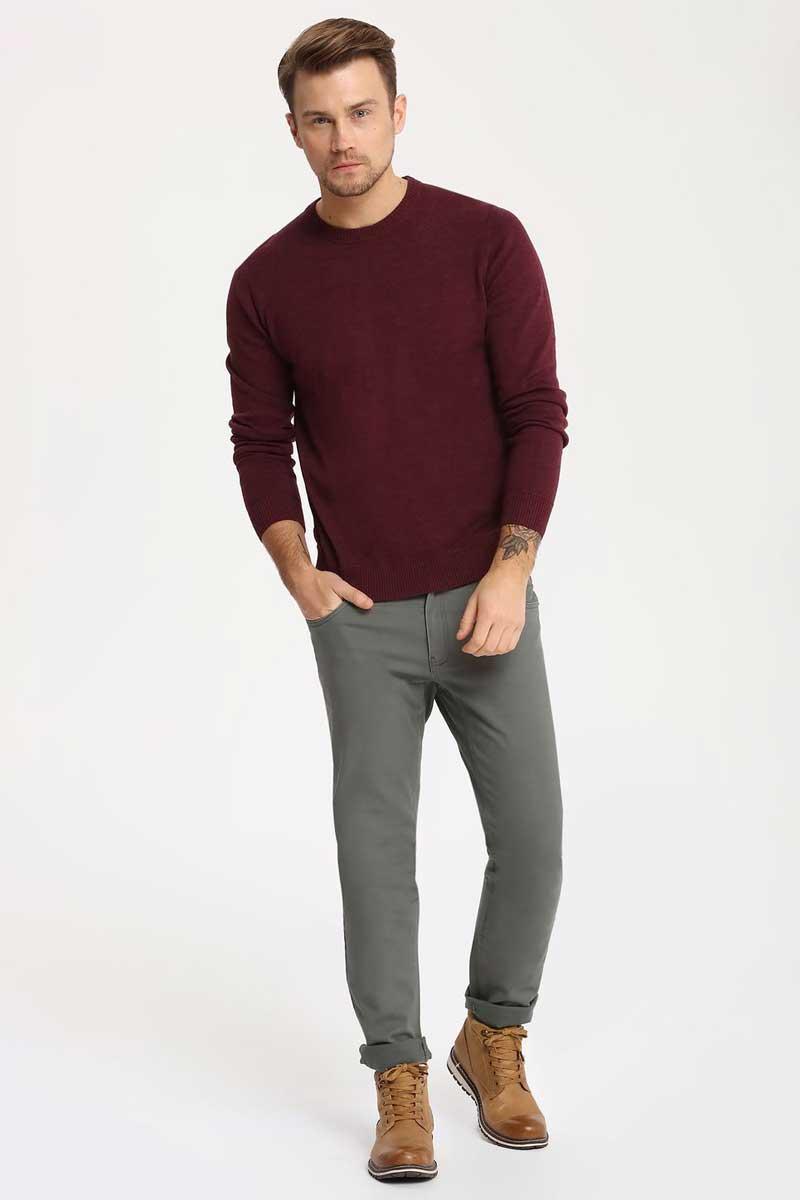 Брюки мужские Top Secret, цвет: зеленый. SSP2465ZI. Размер 32/32 (48/32)SSP2465ZIСтильные мужские брюки Top Secret - брюки высочайшего качества на каждый день, которые прекрасно сидят. Модель изготовлена из высококачественного хлопка и эластана. Застегиваются брюки на пуговицу в поясе и ширинку на молнии, имеются шлевки для ремня. Эти модные и в тоже время комфортные брюки послужат отличным дополнением к вашему гардеробу. В них вы всегда будете чувствовать себя уютно и комфортно.