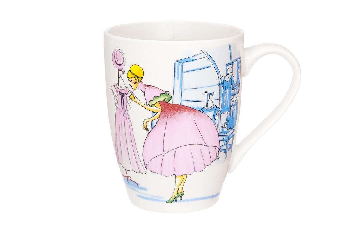 Кружка Elan Gallery Модница, 370 мл230019Кружка классической формы с удобной ручкой выполнена из высококачественного фарфора. Подходят для любых горячих и холодных напитков, чая, кофе, какао. Изделие имеет подарочную упаковку, поэтому станет желанным подарком для любимого человека и друга! Объём кружки: 370 мл.
