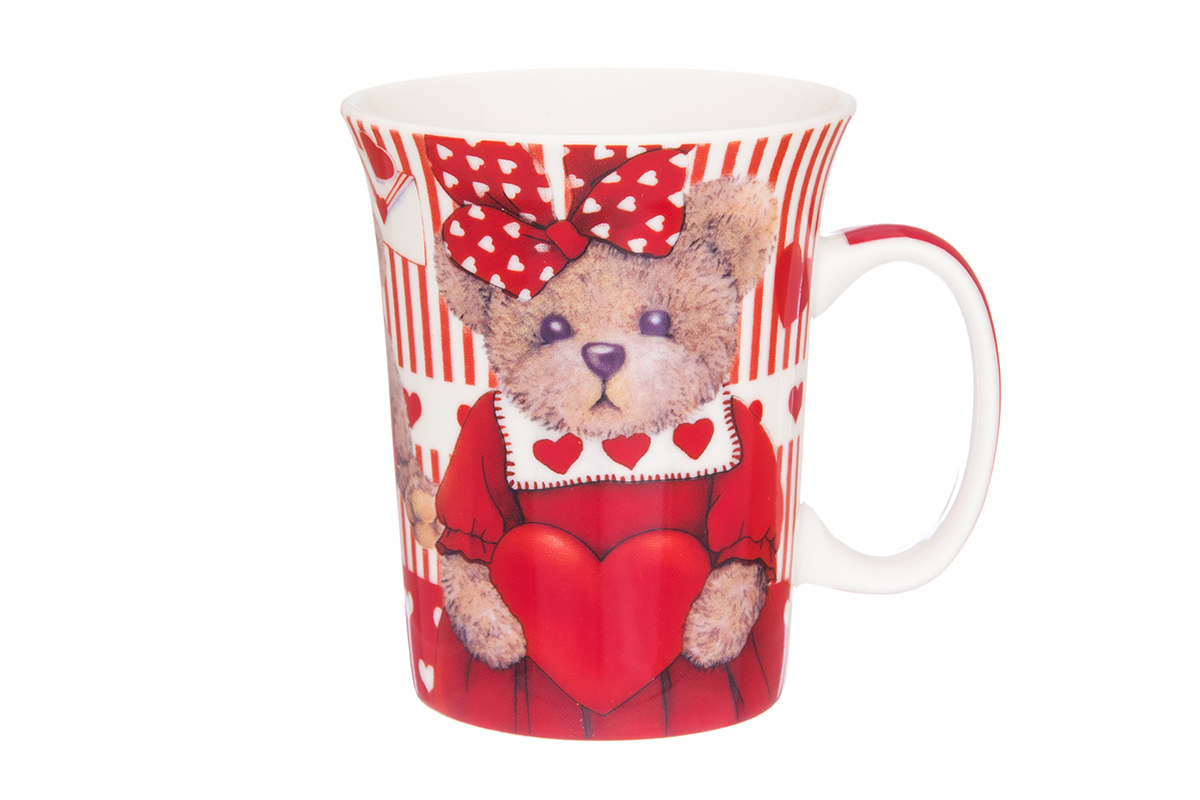 Кружка Elan Gallery Мишка с сердечками, 300 мл410049Кружка классической формы с удобной ручкой выполнена из высококачественного фарфора. Подходят для любых горячих и холодных напитков, чая, кофе, какао. Изделие имеет подарочную упаковку, поэтому станет желанным подарком для любимого человека и друга! Объём кружки: 300 мл.