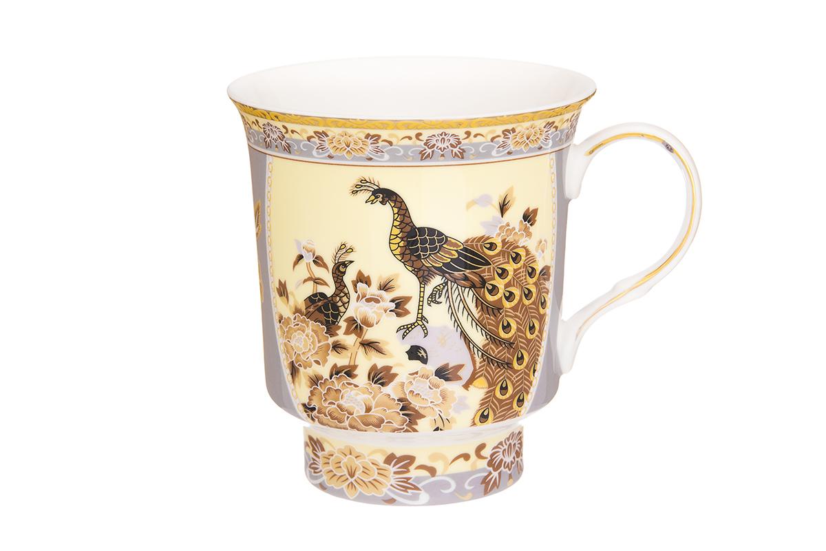 Кружка Elan Gallery Павлин, 630 мл730662Кружка классической формы с удобной ручкой выполнена из высококачественного фарфора. Подходят для любых горячих и холодных напитков, чая, кофе, какао. Изделие имеет подарочную упаковку, поэтому станет желанным подарком для любимого человека и друга! Объём кружки: 630 мл. Размер кружки: 14,5 х 11 х 12 см.