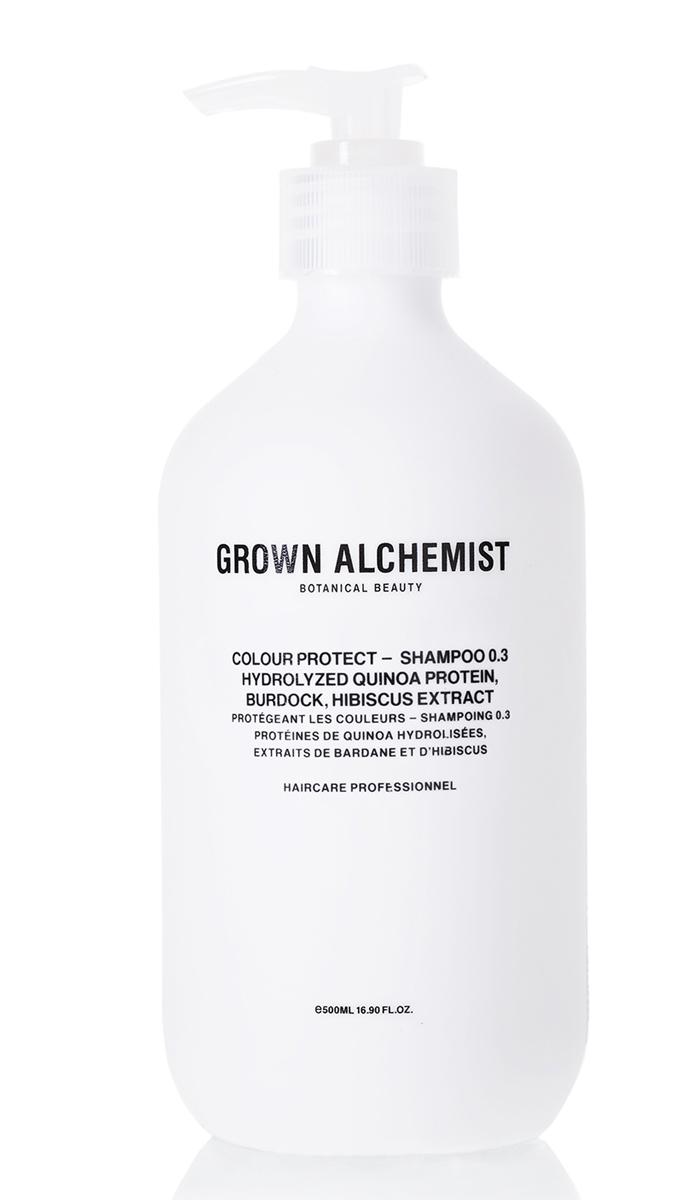 Grown Alchemist Шампунь для окрашенных волос 500 мл6952753866805,6952753862807Шампунь тщательно очищает и продлевает стойкость цвета окрашенных волос, защищая их от УФ-повреждений, воды и стресса, вызванного окружающей средой. Волосы становятся мягкими, блестящими и шелковистыми.