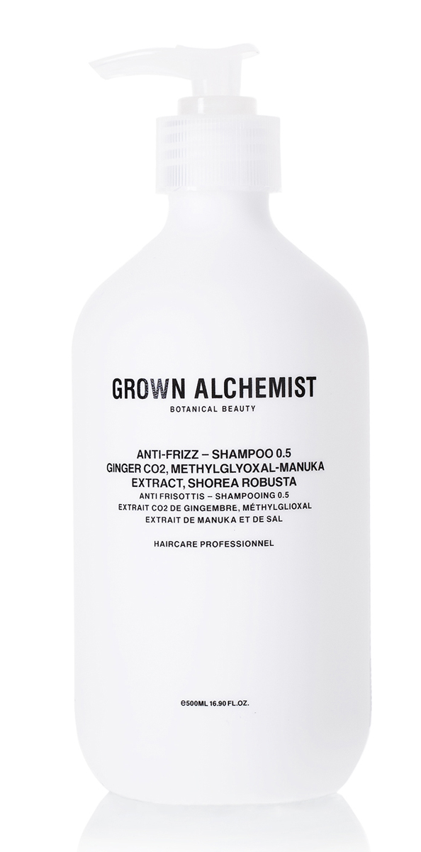 Grown Alchemist Разглаживающий шампунь 500 млGRA0167Легкая, моментально впитывающаяся формула, благодаря которой волосы не пушатся. Защищает поверхность волоса от повреждений при горячей укладке, делает волосы шелковистыми, придает мягкий блеск, одновременно доставляя питательные вещества к волосяным фолликулам.