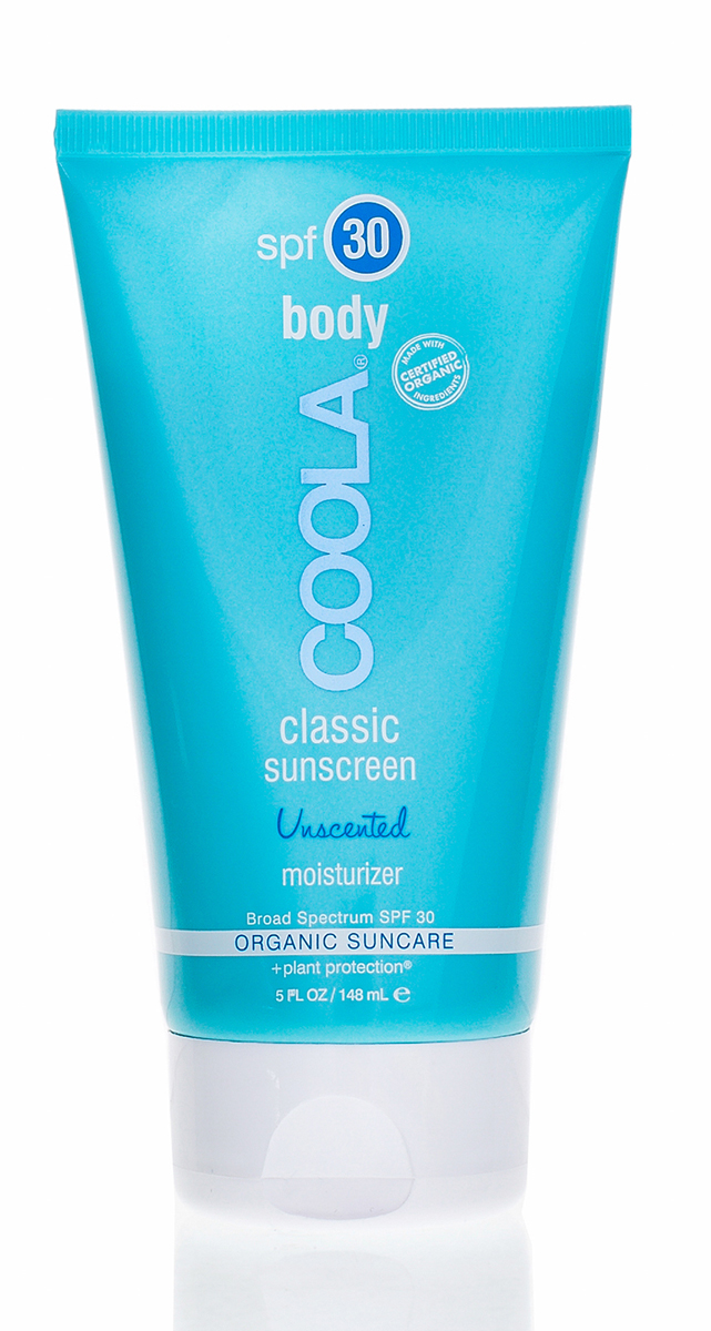 Coola Suncare Солнцезащитный крем для тела увлажняющий без запаха SPF30 148 млTB30UСолнцезащитный крем для тела с фактором защиты SPF 30 не имеет запаха, содержит большое количество антиоксидантов, которые предотвращают старение кожи, и увлажняющие компоненты, которые проникают глубоко в кожу, обеспечивая активный уход./Нежная легкая формула крема не оставляет жирных следов и содержит эксклюзивный ингредиент Camilla Sinensis Liposome Complex™ (Комплекс с липосомами и китайским зеленым чаем™), который оказывает мощное увлажняющее воздействие и является эффективным ежедневным средством защиты от солнца, сочетая в себе восстанавливающее действие антиоксидантов и целебные свойства зеленого чая, витамина Е и алоэ.