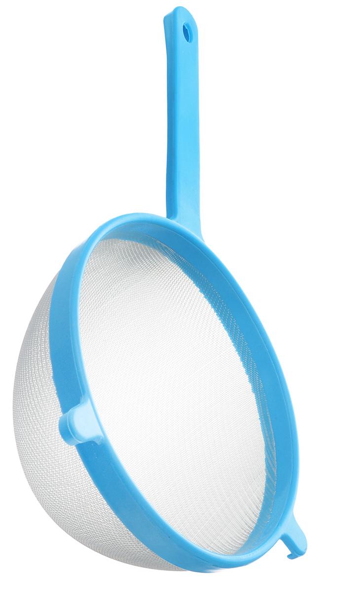 Сито Хозяюшка Мила, цвет: голубой, диаметр 20 см36060_голубойСито Хозяюшка Мила изготовлено из металла и полипропилена. За обычным дизайном скрывается практичность ифункциональность. Эргономичная ручка снабжена отверстием для подвешивания на крючок. С этим ситом вы можете просеивать сыпучие продукты, процеживатькомпоты и соки. Незаменимо оно станет и для приготовления детских пюре. Удобство в использовании дополняется двумя держателями.Такое сито станет незаменимым аксессуаром на вашей кухне. Диаметр сита: 20 см. Длина ручки: 16,5 см.