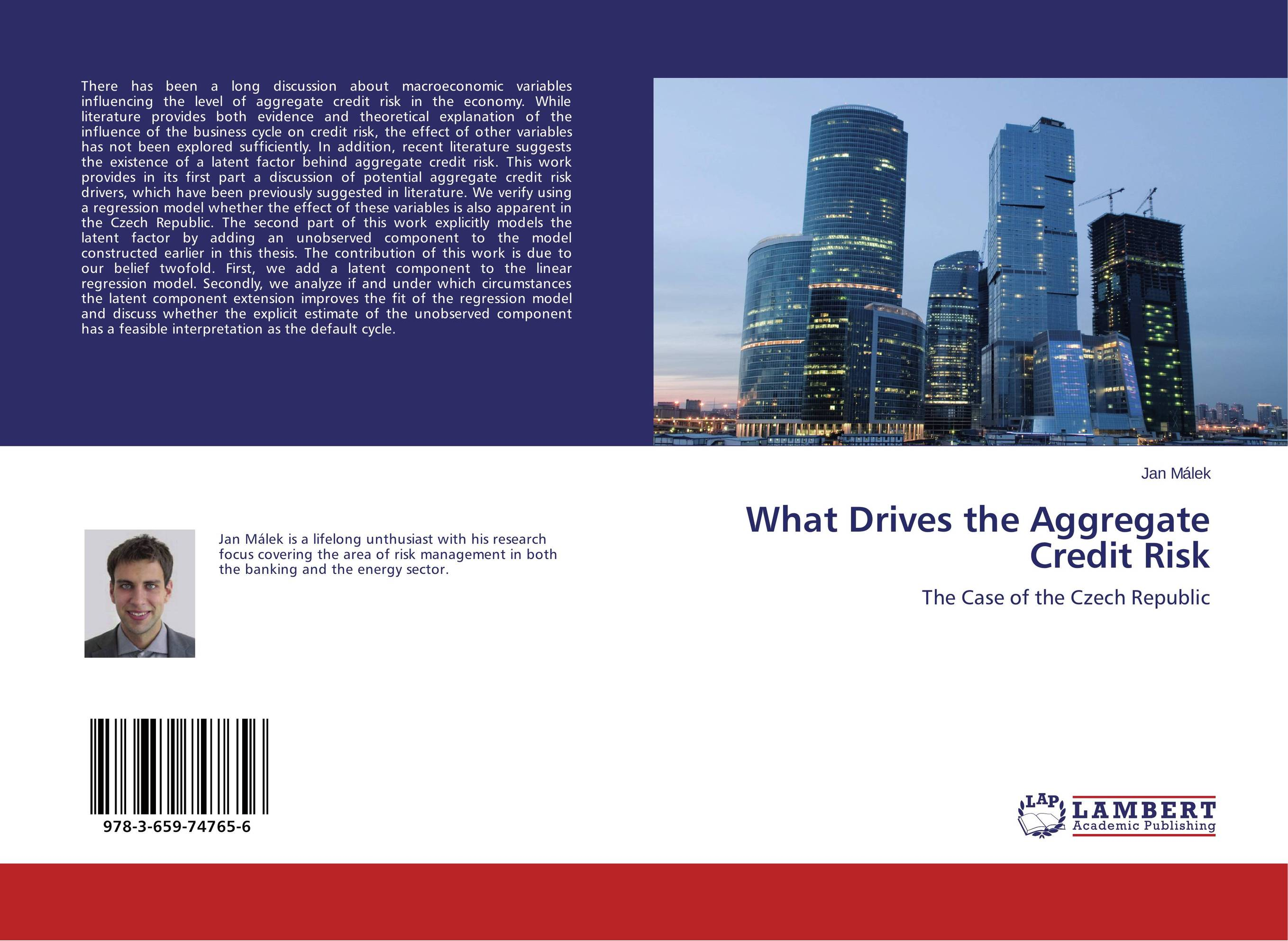 What Drives the Aggregate Credit Risk