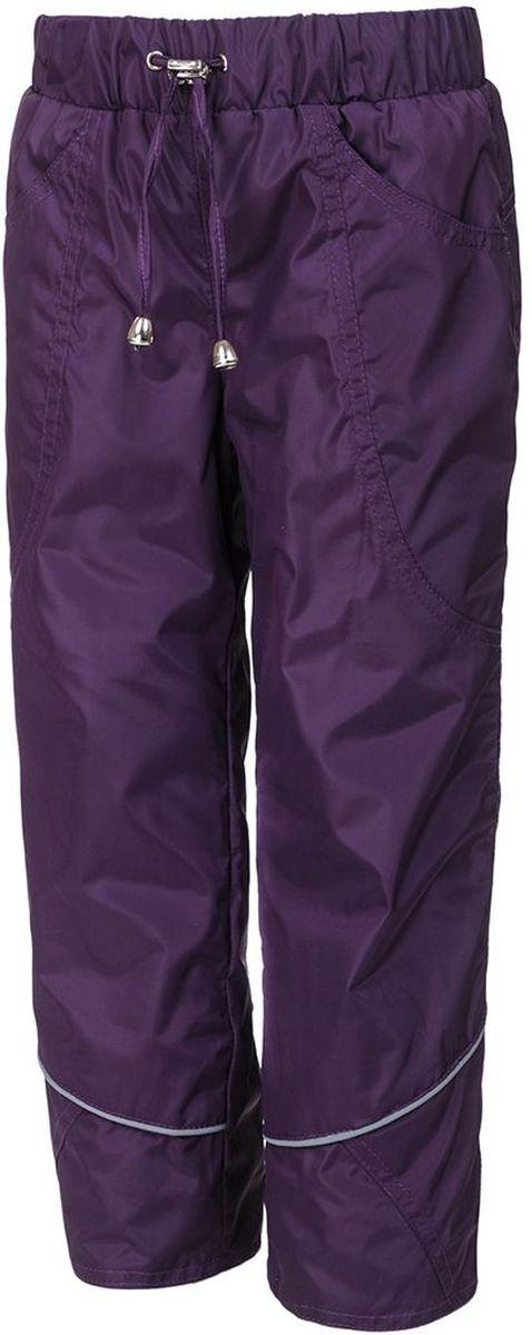 Брюки утепленные детские M&D, цвет: темно-фиолетовый. БР005Ф. Размер 122БР005ФУтепленные брюки M&D выполнены из полиэстера, который не пропускает воду. Модель оформлена прострочкой и светоотражающими полосками. Брюки оснащены накладными карманами спереди. Эластичная резинка и завязки с бегунком на поясе плотно зафиксируют модель. Теплая подкладка выполнена из флиса. Брючины дополнены манжетами с эластичными резинками, которые предотвратят попадание снега.