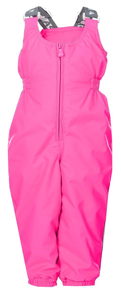 Брюки утепленные детские Huppa Neo, цвет: ярко-розовый. 26460010-00063. Размер 8626460010-00063Утепленные детские брюки Huppa Neo с завышенной грудкой выполнены из износостойкого полиэстера. В качестве подкладки и утеплителя используется качественный полиэстер.Брюки застегиваются на высокую пластиковую молнию, на талии имеется вшитая эластичная резинка. Брюки оснащены несъемными резиновыми подтяжками, длину которых можно регулировать. По низу брючин предусмотрены вшитые резинки и специальные держатели из мягкого пластика, которые можно отстегивать. Изделие дополнено светоотражающими элементами.