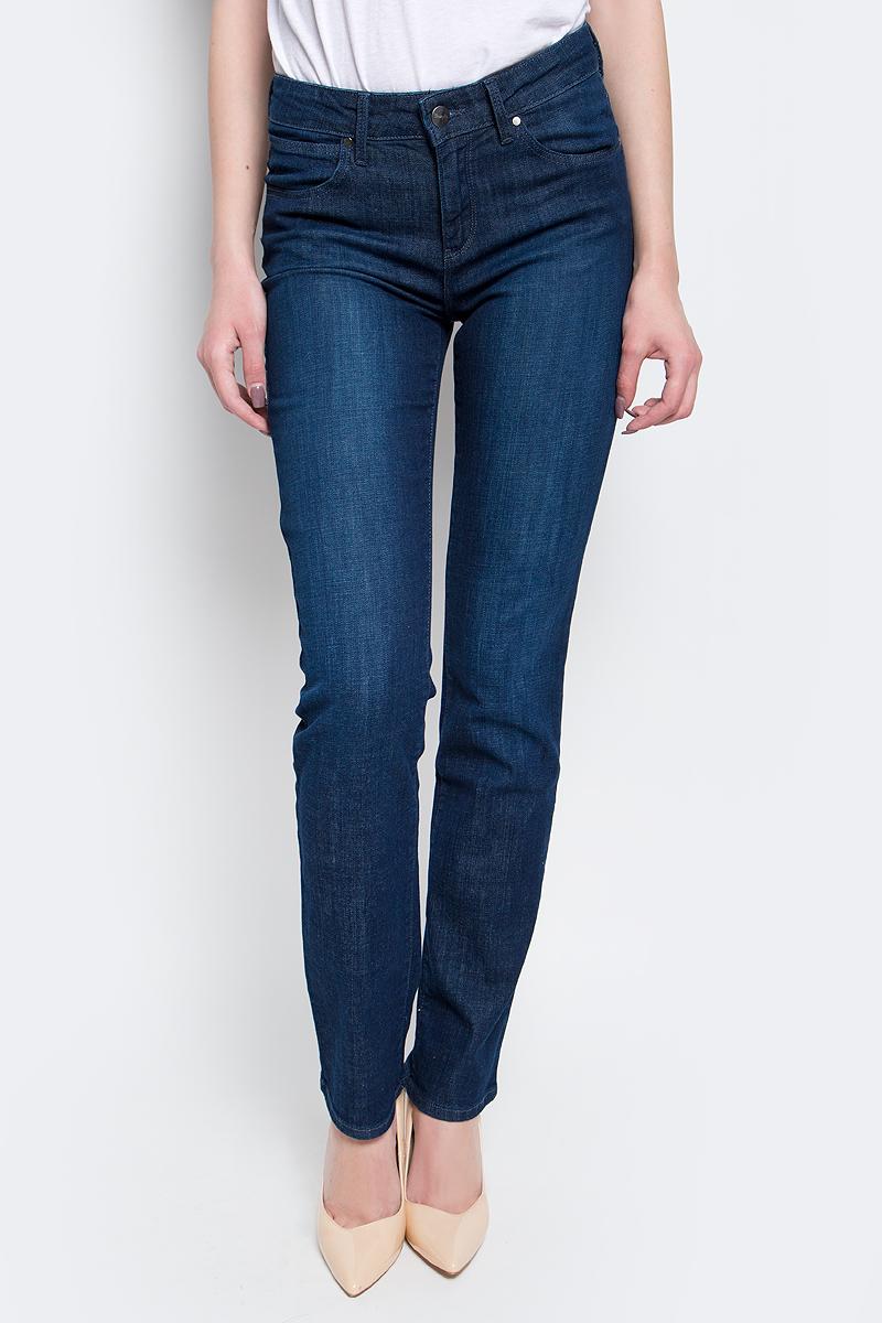 Джинсы женские Wrangler Straight, цвет: синий. W28T9186N. Размер 31-32 (46/48-32) джинсы женские wrangler цвет темно синий w27hcw51l размер 29 32 44 46 32