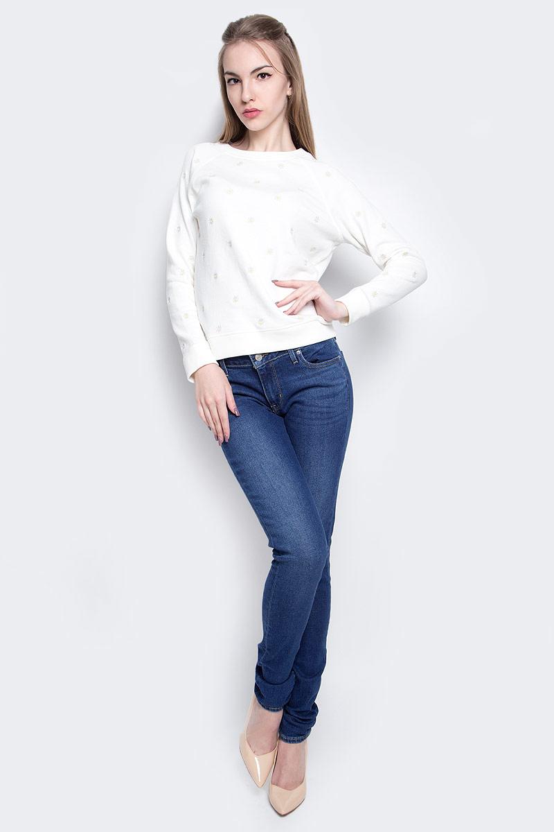 Джинсы женские Levis® 711, цвет: синий. 1888101920. Размер 26-32 (42-32)1888101920Женские джинсы Levis® 711 выполнены из высококачественного эластичного хлопка с добавлением эластомультиэстера. Джинсы-скинни стандартной посадки застегиваются на пуговицу в поясе и ширинку на застежке-молнии, дополнены шлевками для ремня. Джинсы имеют классический пятикарманный крой: спереди модель дополнена двумя втачными карманами и одним маленьким накладным кармашком, а сзади - двумя накладными карманами. Модель украшена декоративными потертостями и перманентными складками.