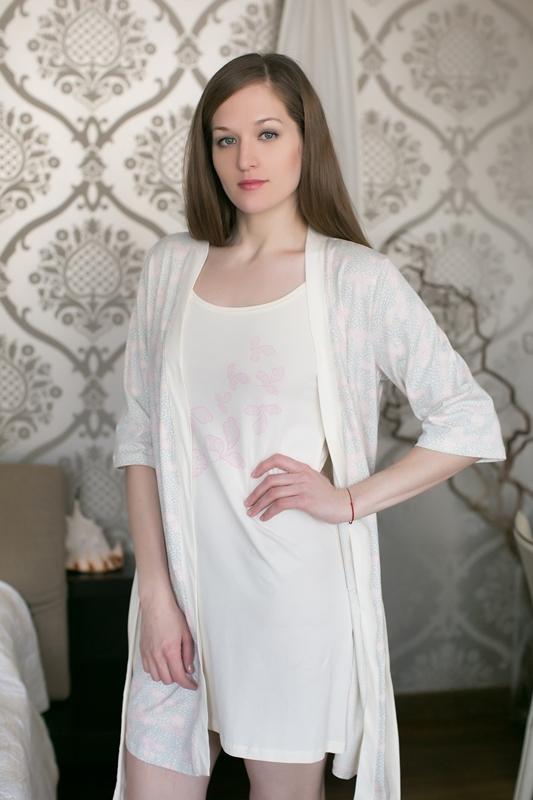 Комплект домашний женский Marusя: ночная рубашка, халат, цвет: розовый. 163013. Размер M (46)163013Женский домашний комплект Marusя включает в себя ночную рубашку и халат. Комплект изготовлен из приятной на ощупь смесовой ткани. Халат дополнен поясом. Ночная рубашка длины мини на тонких бретельках.