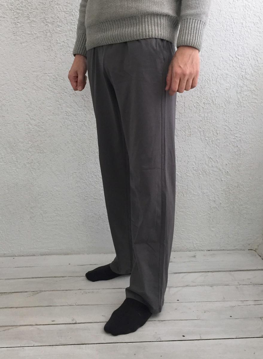 Брюки для дома мужские Basil, цвет: серый. 17230513. Размер XL (50)17230513Брюки для дома мужские Basil изготовлены из 100% хлопка. Модель свободного кроя имеет резинку на талии для комфортной посадки и два боковых кармана.