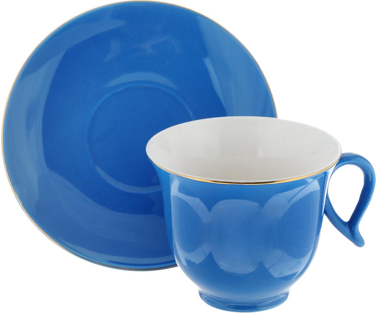 Чайная пара Loraine, цвет: синий, 2 предмета24742Чайная пара Loraine, выполненная из керамики, состоит из 1 чашки и 1 блюдца. Предметы набора имеют яркую расцветку. Изящный дизайн и красочность оформления придутся по вкусу и ценителям классики, и тем, кто предпочитает утонченность и изысканность.Чайная пара - идеальный и необходимый подарок для вашего дома и для ваших друзей в праздники, юбилеи и торжества! Он также станет отличным корпоративным подарком и украшением любой кухни. Чайная пара упакована в подарочную коробку из плотного цветного картона. Внутренняя часть коробки задрапирована белым атласом.Диаметр чашки (по верхнему краю): 9,2 см.Высота чашки: 7,5 см. Объем чашки: 220 мл. Диаметр блюдца: 14,5 см.Высота блюдца: 2 см.